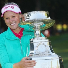Henderson beats Ko to win Women's PGA Championship in playoff