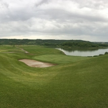 Great morning in the valley if u don't mind getting a little wet. Overcast and drizzle forecasted for the next couple hours but no wind and the course to yourself might be worth the drive. Call (306)731-1445 to book your time today!  #yqrgolf #yqr #golfin