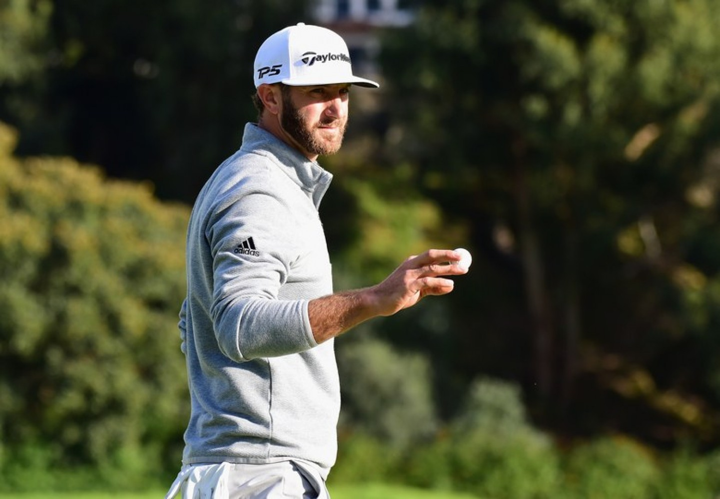 Dustin Johnson cruises to win at Riviera to take over as world No. 1
